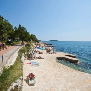AC Zelena Laguna beach