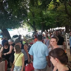 Antiques and art fair on Fridays