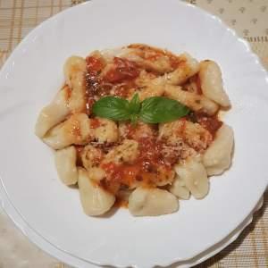 Ravioli, posutice, fuzi or macaroni