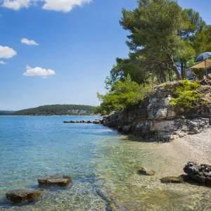Beaches in Tarska Cove