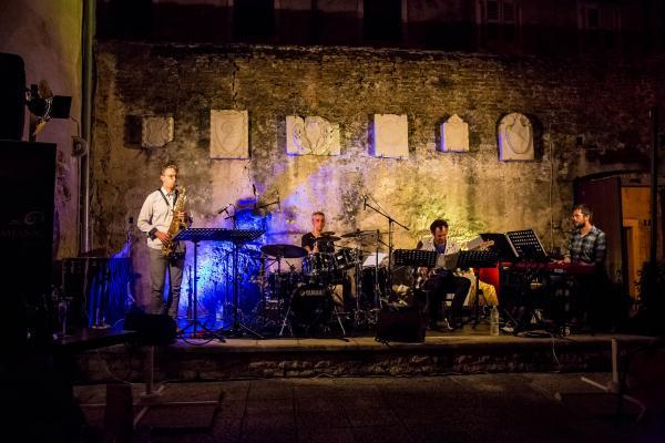 Jazz in Lap